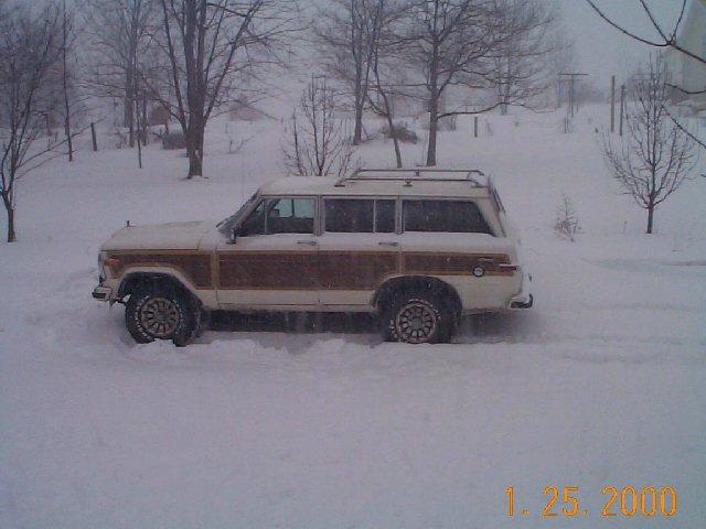 87_Jeep.jpg (49969 bytes)